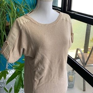 Tan short sleeve sweater with suede and button